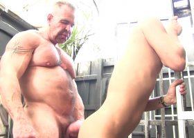 Daddy Rogue Barebacks Cesar Xes